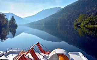 Бесплатные фото судно,палуба,река,берега,горы,деревья,растительность