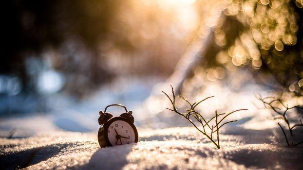 Фото бесплатно снег, сугроб, часы