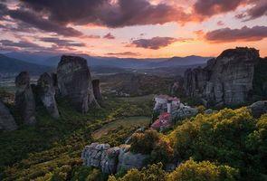 Бесплатные фото Meteora,Метеора,Греция,закат,горы,скалы,деревья