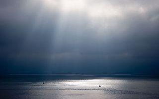 Обои море, яхты, горизонт, небо, облака, солнце, лучи