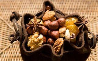 Бесплатные фото орехи,грецкие,фундук,миндаль,ваниль,бадьян,кисет