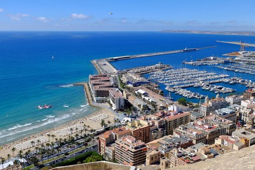 Photo free Alicante, Spain, overlooking the old town of Alicante