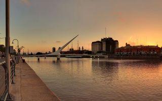Бесплатные фото вечер,набережная,река,мост,конструкция,дома