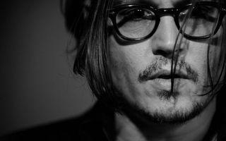 Бесплатные фото Джонни Депп,актер,прическа,очки,щетина