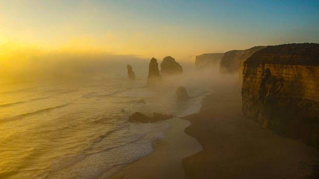 Заставки морской туман, берег, скала