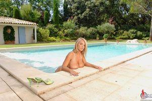 Бесплатные фото Ines Cudna,красотка,девушка,голая,голая девушка,обнаженная девушка,позы