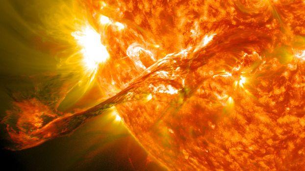 Фото бесплатно солнце, вспышка, протуберанец