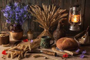 Фото бесплатно лампа, керосин, парафин, фонарь, васильки, праздник, коса, ячменное, Зерно, кукуруза, серп, пшеница, деревенский, буханка, хлеб, Шаманство, Друидизм, друид, языческий, праздник урожая