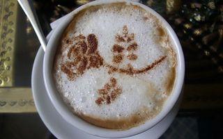 Бесплатные фото чашка,кофе,пена,рисунок,цветок,латте арт
