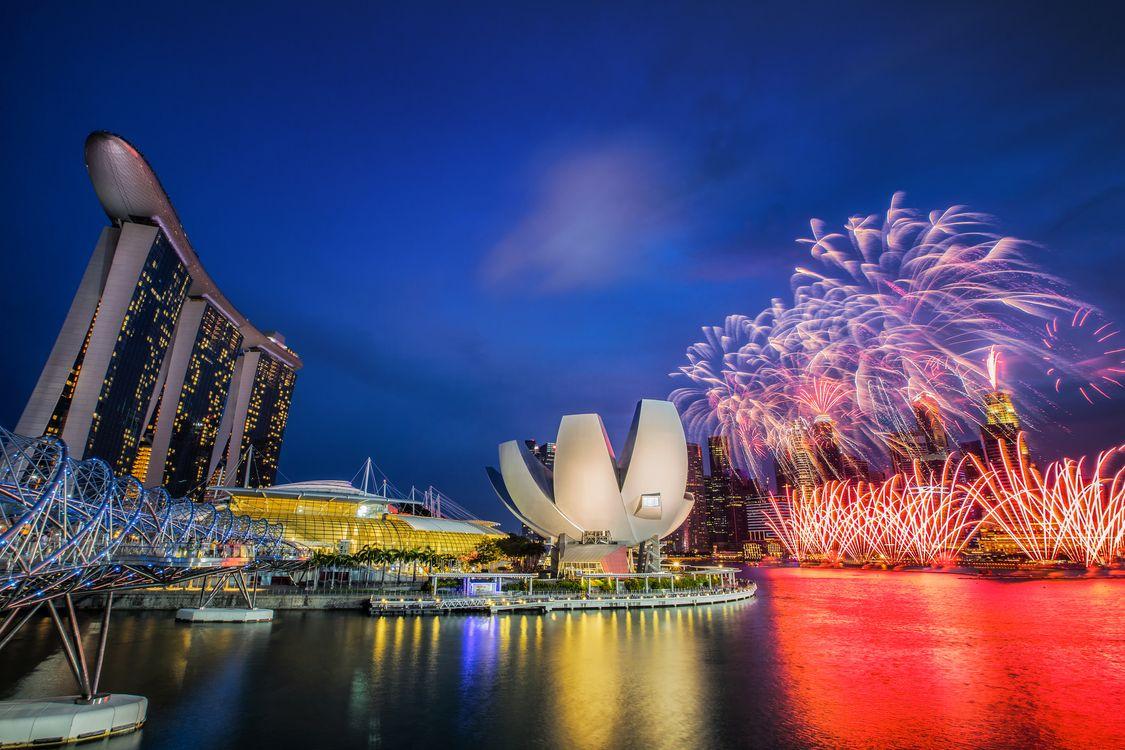 Фото бесплатно Залив Марина Бэй, Сингапур, фестиваль, салют, город, ночь, иллюминация, город