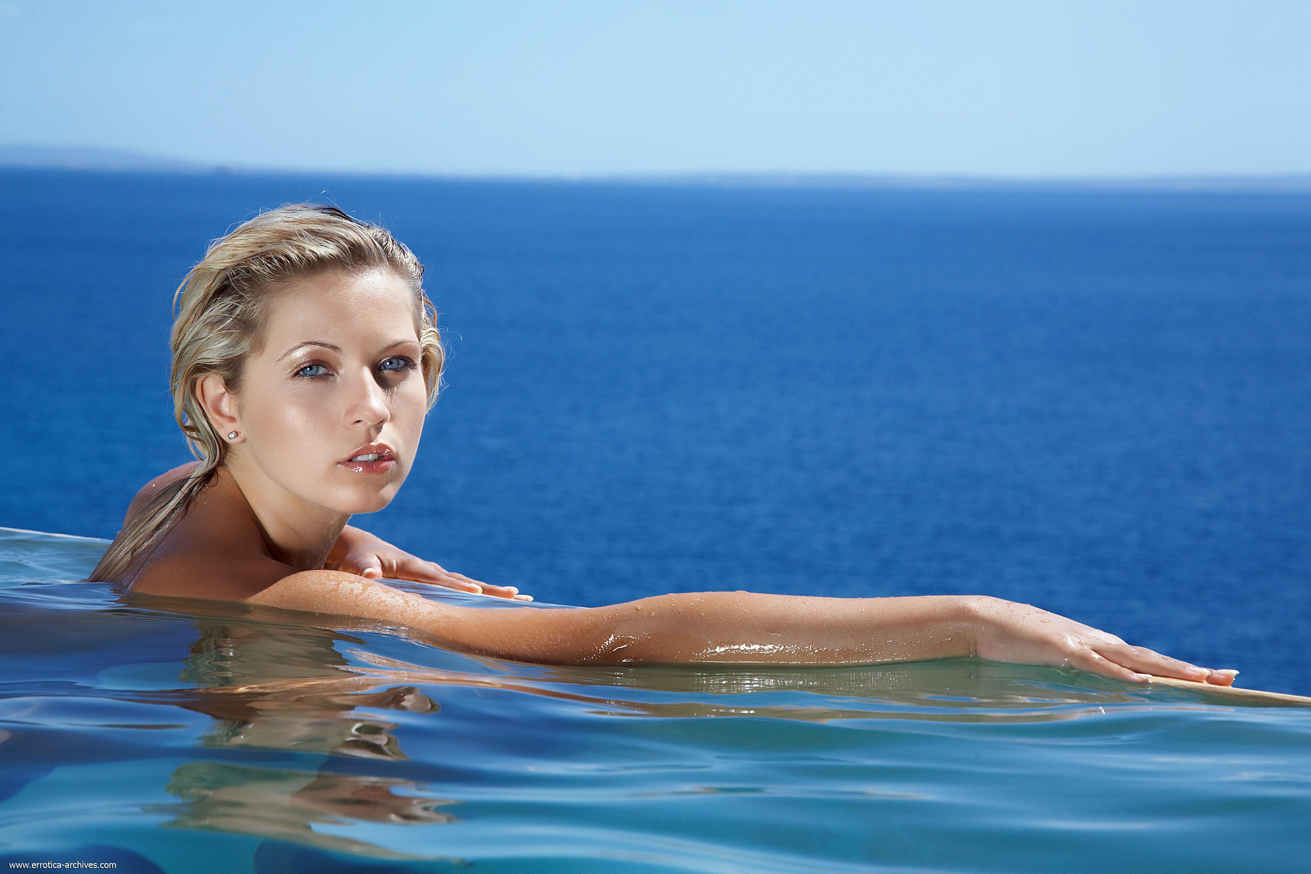 Ролики о курьезных случаях сдевушками в плавательном бассейне смотреть онлайн3333666555222 11 фотография