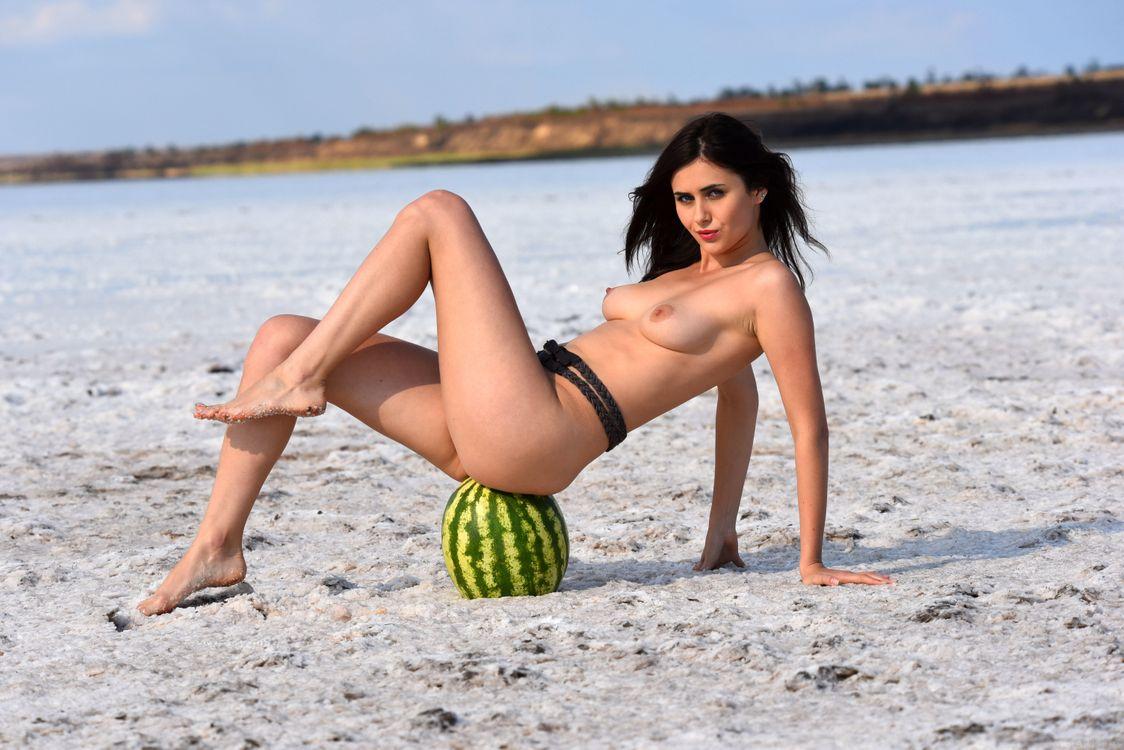 Фото бесплатно Mona, красотка, голая, голая девушка, обнаженная девушка, позы, поза, сексуальная девушка, эротика, эротика