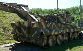 Бесплатные фото танк,башня,дуло,ствол,броня,гусеницы,хаки