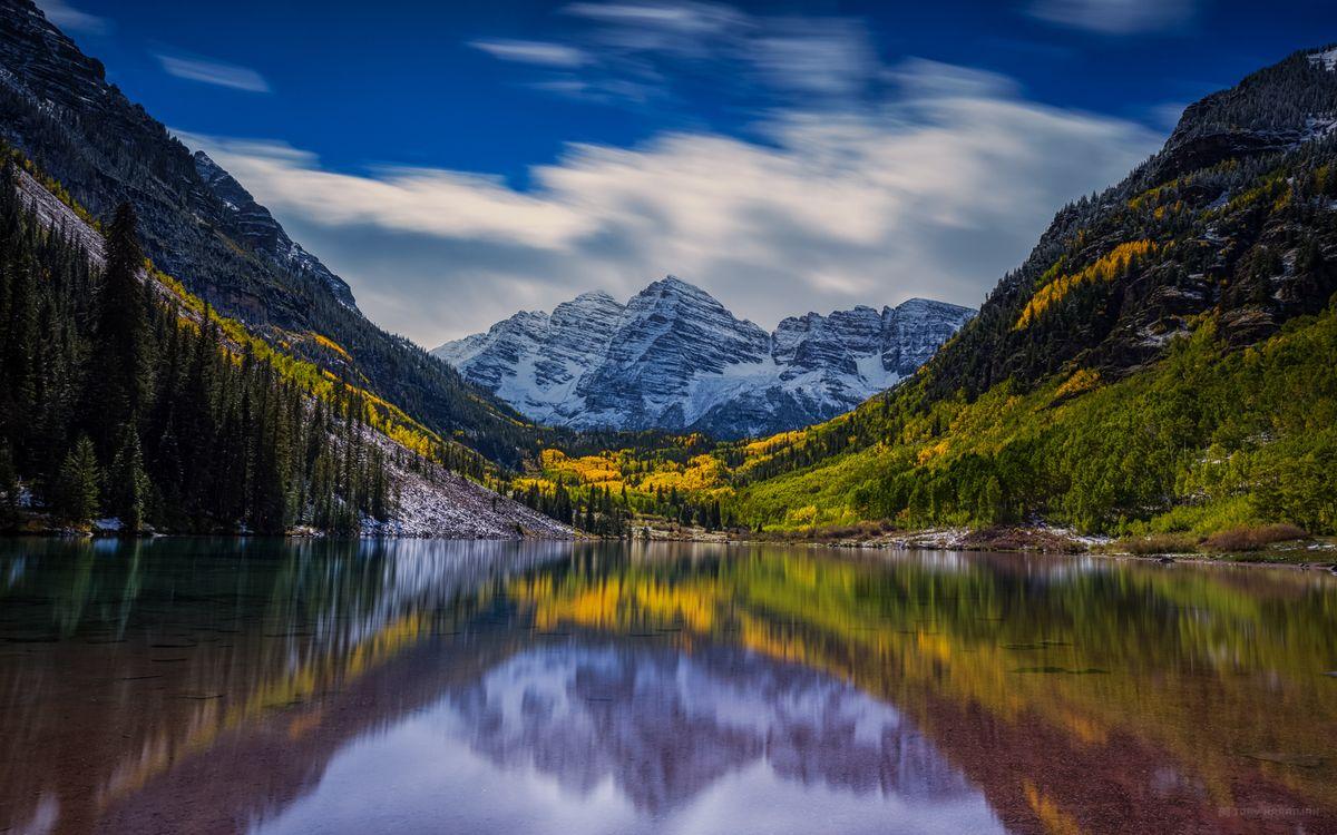 Фото бесплатно озеро, гладь, отражение, горы, деревья, скалы, снег - на рабочий стол