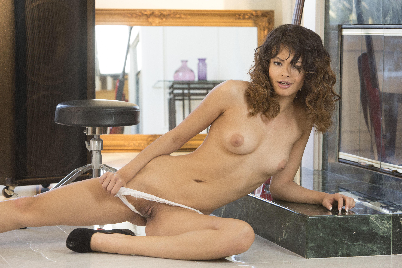 Thick arab girls naked