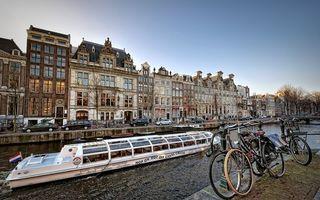 Бесплатные фото набережная,велосипеды,река,канал,речной трамвай,улица,машины