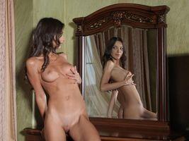 Бесплатные фото Elle D,красотка,голая,голая девушка,обнаженная девушка,позы,поза