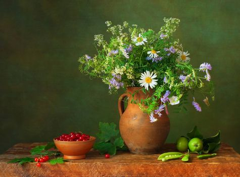 Photo free table, jug, bouquet