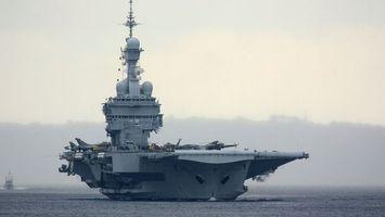 Заставки море,корабль,авианосец,самолеты,истребители