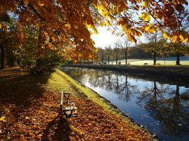 Заставки осень,парк,канал,деревья,лавочка,пейзаж