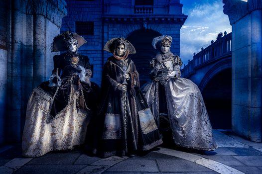 Фото бесплатно карнавал, венецианский наряд, венецианская маска