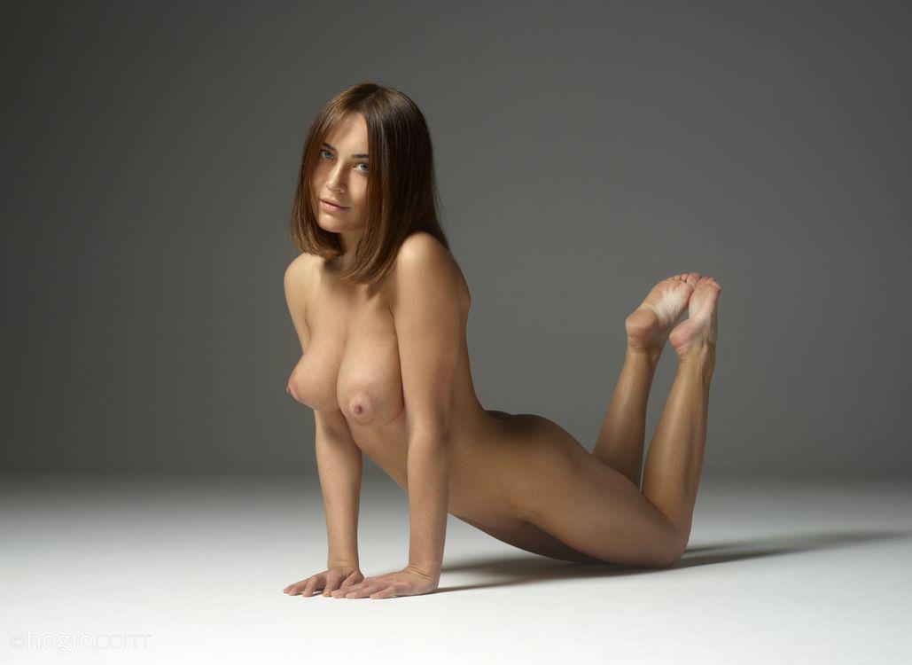 to-pose-nude