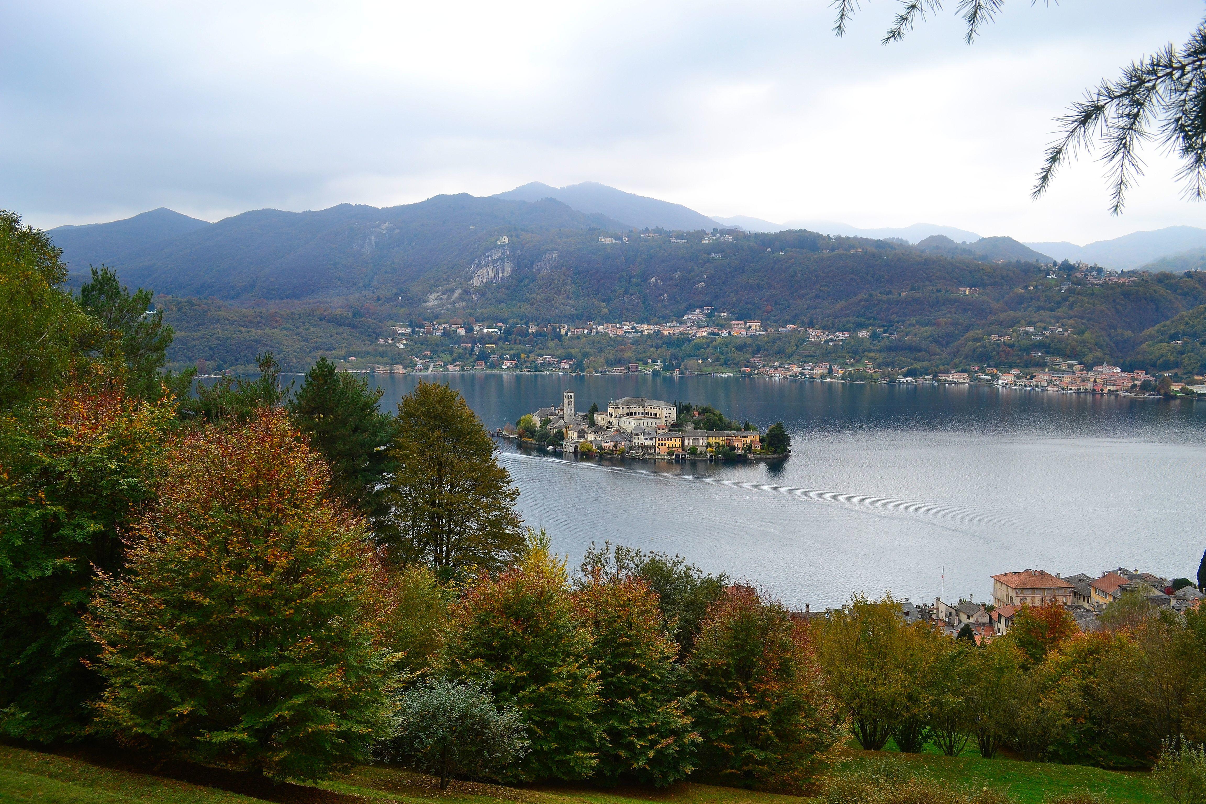 обои Озеро Орта, Италия, Остров Сан Джулио картинки фото