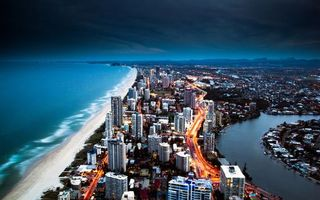 Бесплатные фото вечер,море,побережье,дома,улицы,машины,огни