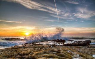 Фото бесплатно волны, брызги, скала