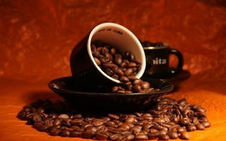 Фото бесплатно блюдуа, чашки, черные, кофе, зерна
