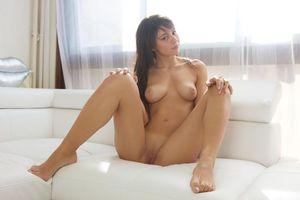 Бесплатные фото Hannah E, красотка, голая, голая девушка, обнаженная девушка, позы, поза
