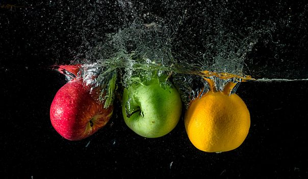 Бесплатные фото яблоки,апельсин,фрукты,жидкость,брызги