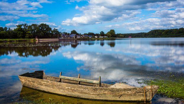 Бесплатные фото лодка,река,берег,дома