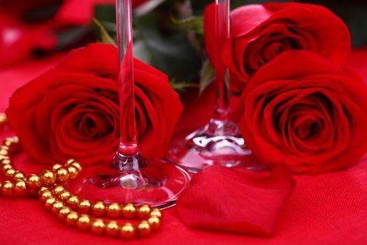 Фото бесплатно красные лепестки, розы, красные розы