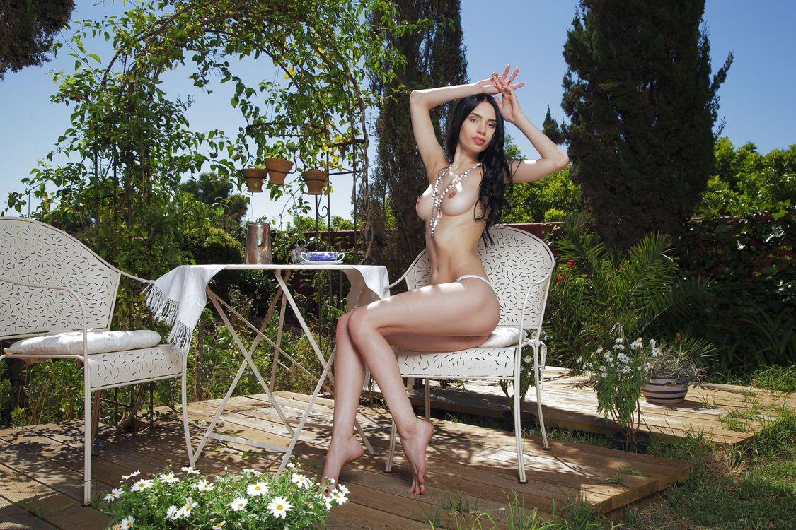 Фото бесплатно dita v, модель, красотка, голая, голая девушка, обнаженная девушка, позы, поза, сексуальная девушка, эротика, эротика