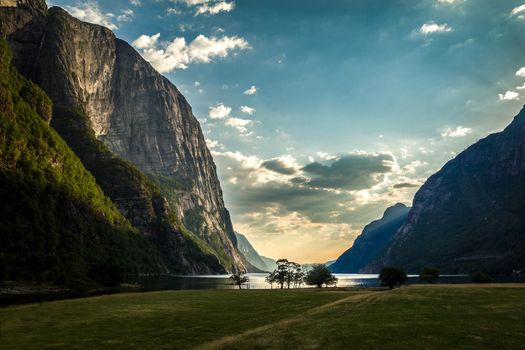 Фото бесплатно горы, река, простор