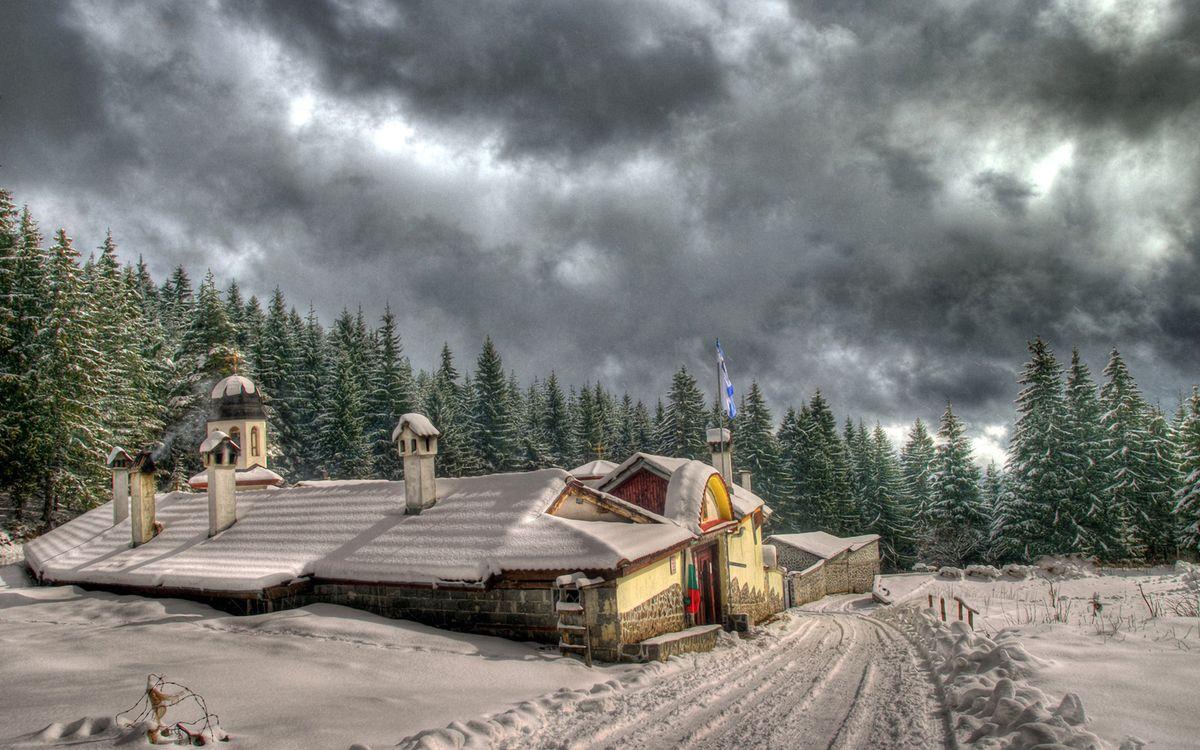 Фото бесплатно загородный дома, сугробы, зима - на рабочий стол