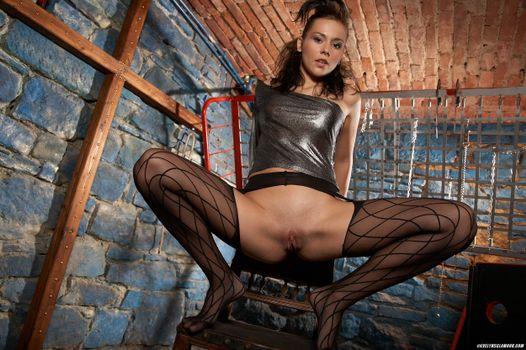 Фото бесплатно Sonia Red, девушка, модель, красотка, голая, голая девушка, обнаженная девушка, позы, поза, сексуальная девушка, эротика