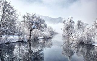 Бесплатные фото зима, река, отражение, берега, снег, деревья, иней