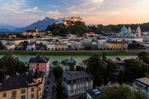 Фото бесплатно Замок Зальцбург с видом на Старый город, Зальцбург, Австрия