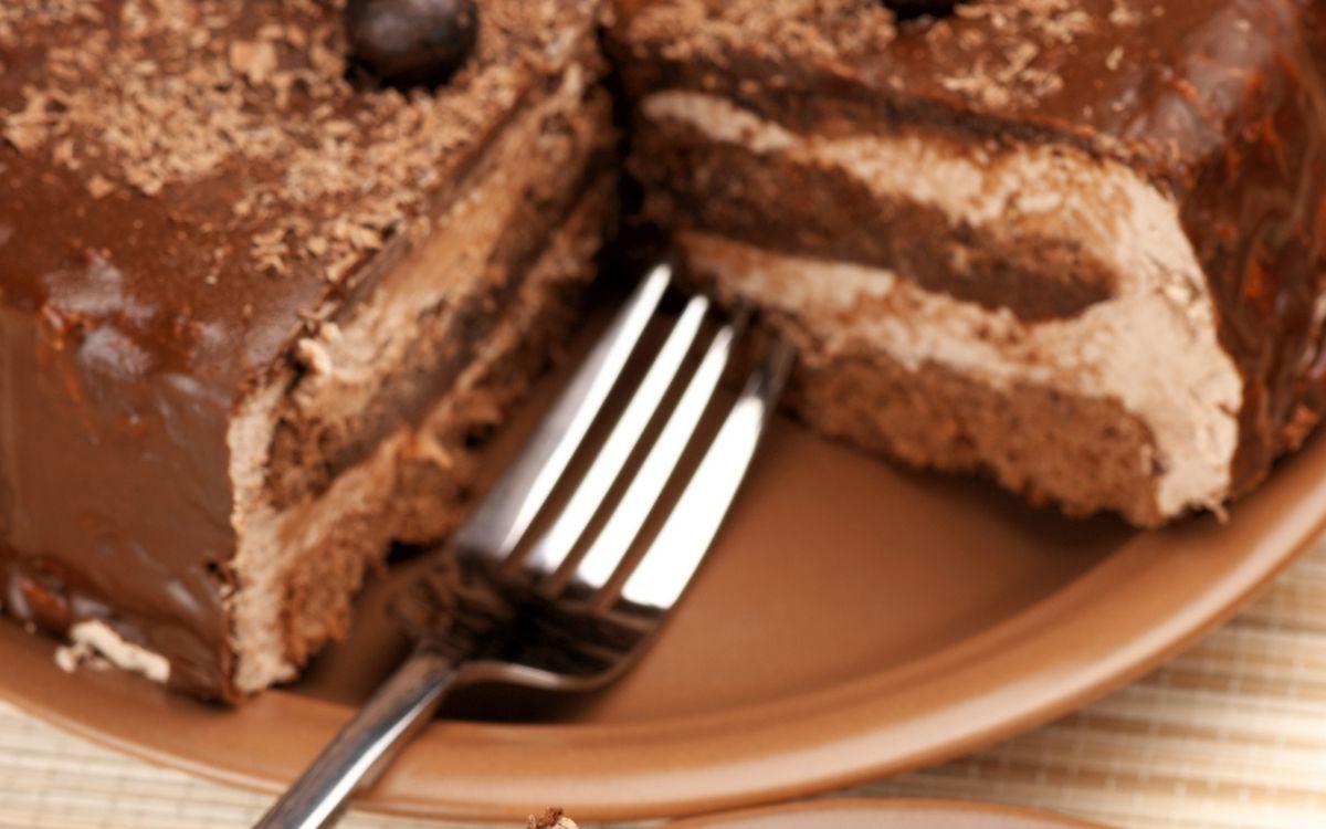 Фото бесплатно тарелка, вилка, десерт, торт, начинка, шоколад, еда