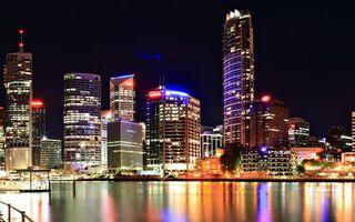 Бесплатные фото ночь,река,набережная,улицы,дома,здания,высотки