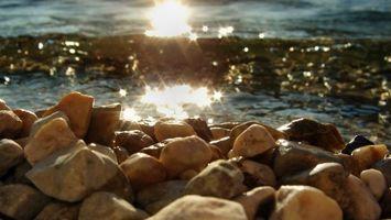 Заставки камни, блестит, море