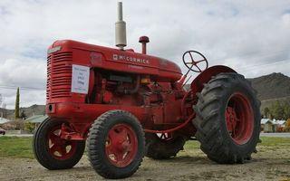 Фото бесплатно трактор, красный, двигатель