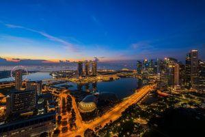 Бесплатные фото ночь,небоскребы,панорама,Сингапур,огни