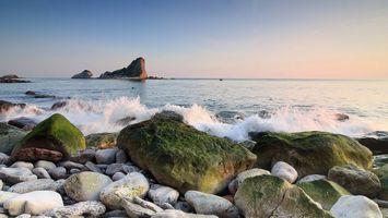 Фото бесплатно каменистый берег, волны, брызги