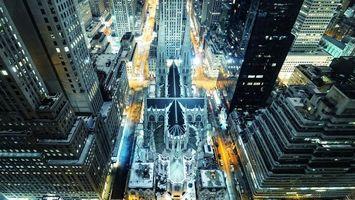 Бесплатные фото Мегаполис,здания,высотки,ночь,огни,машины
