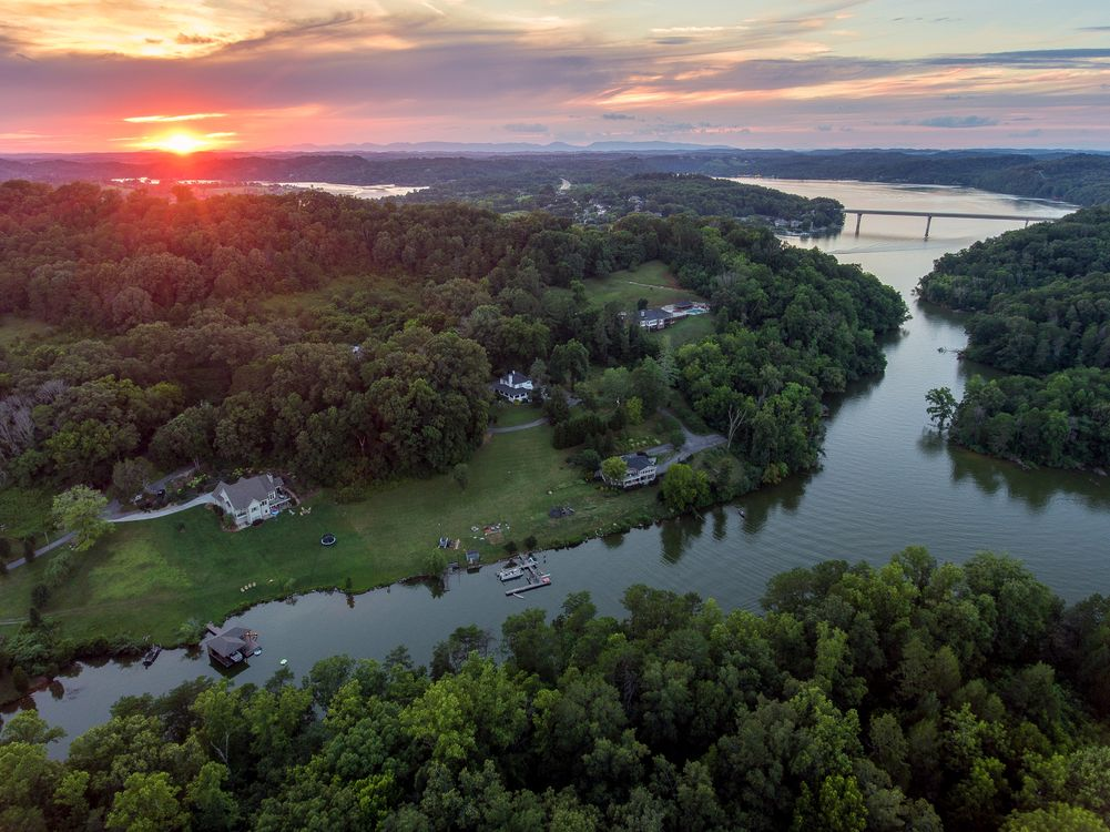 Фото бесплатно Луисвилл, США, Штат Теннесси, Tennessee River Sunset, закат, река, дома, деревья, пейзаж, пейзажи