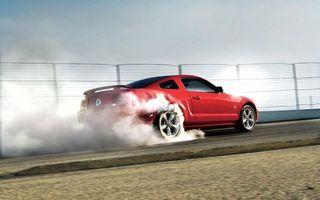 Бесплатные фото форд,мустанг,красный,колеса,диски,обороты,дым
