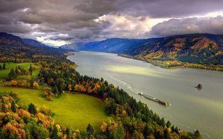 Бесплатные фото осень, берега, горы, деревья, трава, река, баржа